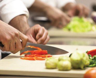 بهداشت مواد غذایی در واحدهای طبخ و تولید مواد غذایی